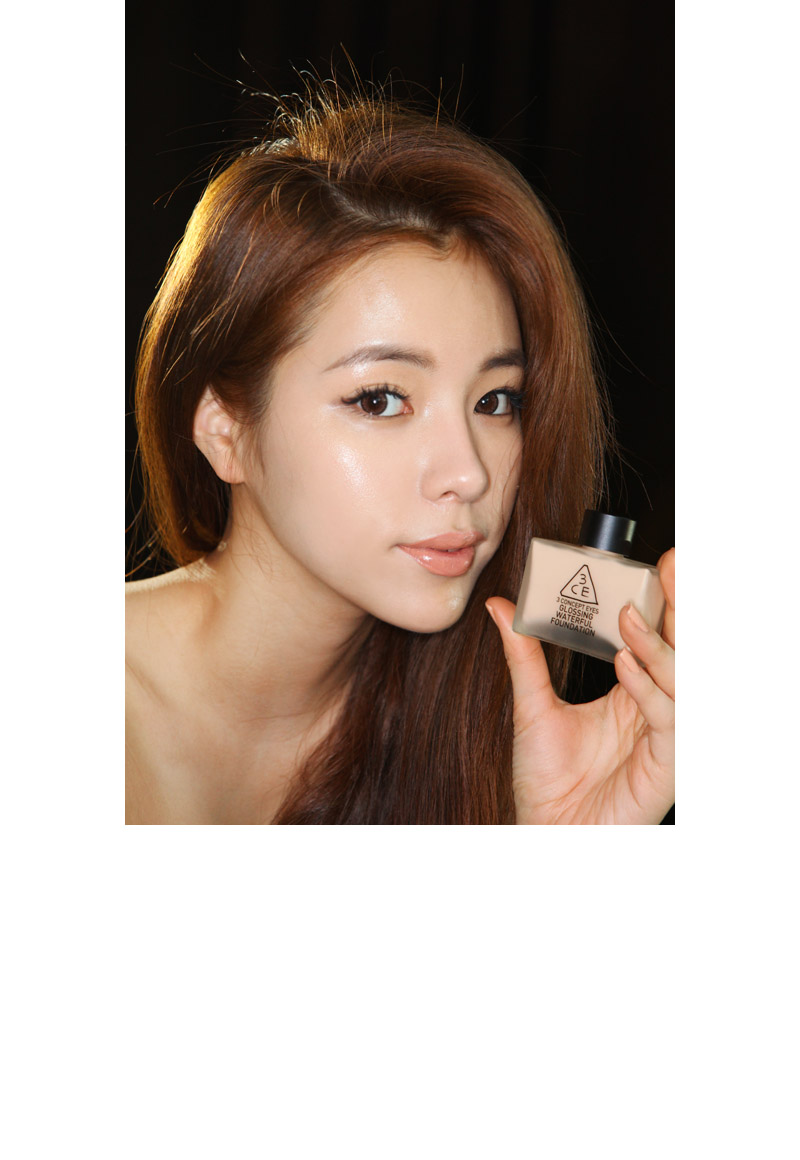 Kem nền Glossing waterful foundation - 3 Concept Eyes 2
